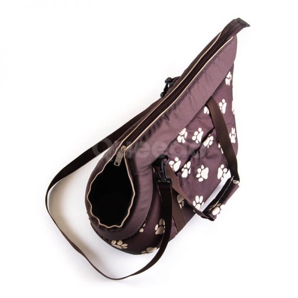 Krásna hnedá prepravná taška pre psa labky