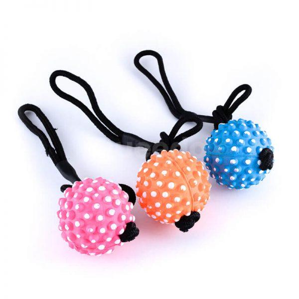 Kvalitné hračky pre psov lopty na lane pichliače rôzne farby