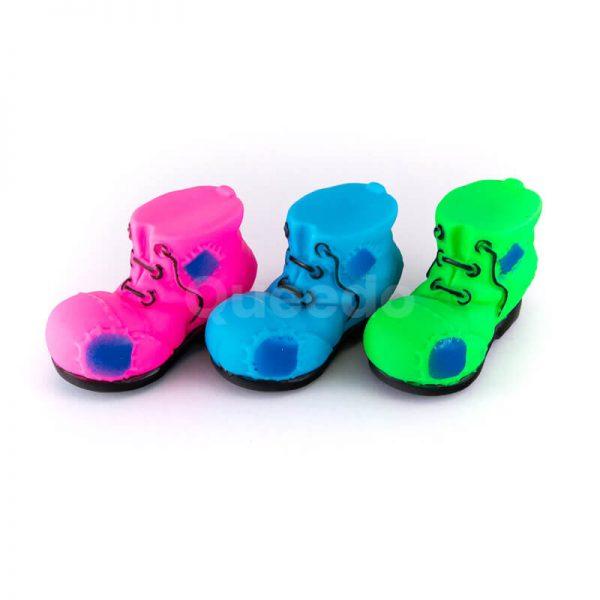 Praktické hračky pre psov topánky menšie