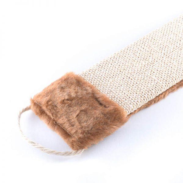 Kvalitné a odolné škrabadlo na stenu tkanina plyš menšie svetlohnedej farby