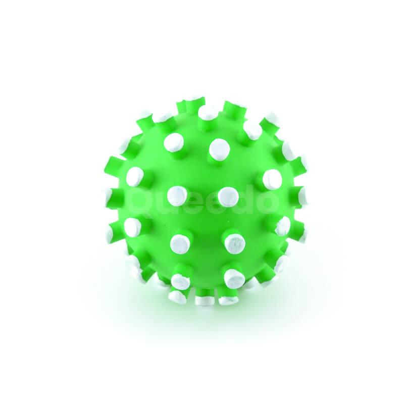 Zábavná hračka pre psa zelená loptička biele pichliače