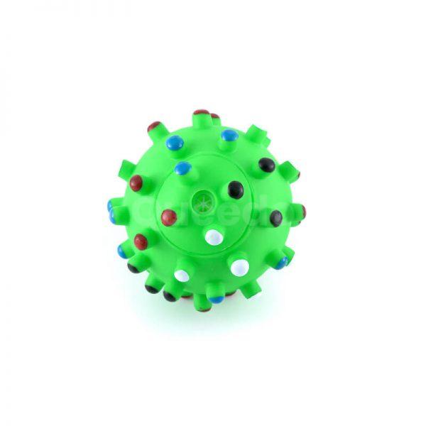 Kvalitná psia hračka zelená loptička s farebnými pichliačmi