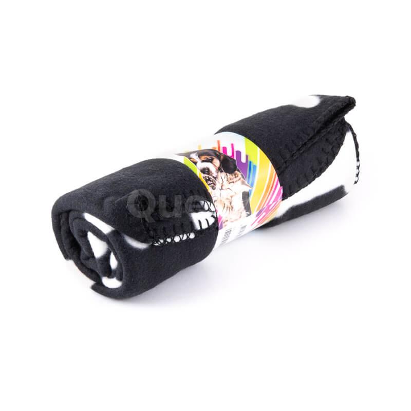 Odolná a praktická deka pre psa kosť čierna